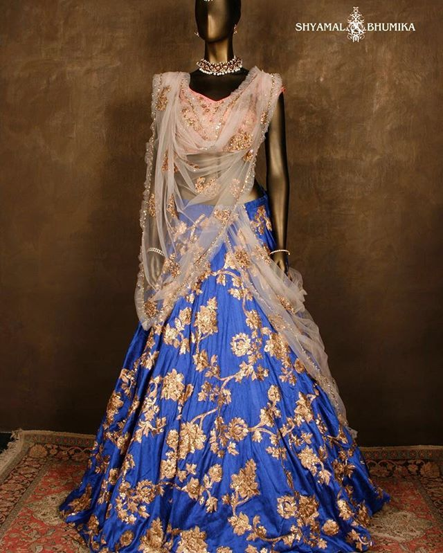 #lenghas #indianwear #beautiful #embroidery #prewedding #fashion #indianbridalcouture for information email sales@shyamalbhumika.com or call, text,whatsapp +91-9833520520