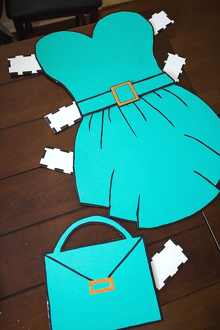 Feeling stuck on what to be for Halloween? Try this fun DIY costume idea!