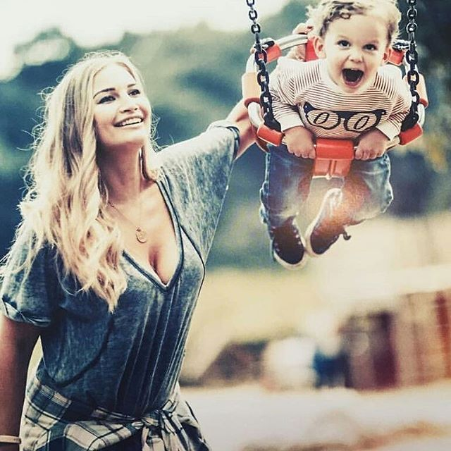 Photo's from Sacconejolys Calendar #annasaccone #annasacconejoly #jonathanjoly #jonathansacconejoly #emiliasacconejoly #eduardosacconejoly #emiliatomasina #eduardolicious #sacconejoly #sacconejolys #kids #parents #family #brotherandsister #emiliaandeduardo #cuties #wardolicious #youtubechannel #vlog #vlogger #youtuber #followforfollow #like4like #f4f #stylishemiliasacconejoly #youtubechannel #christmas #christmaseve #newyear #england @annasaccone @jonathanjoly
