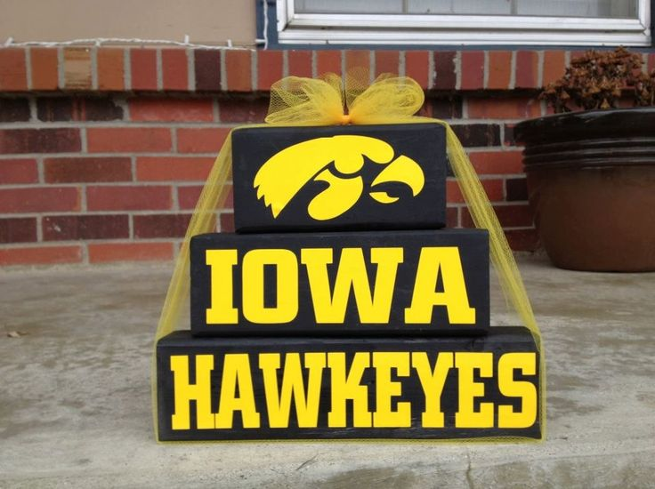 1000 images about go hawkeyes on pinterest in this for Iowa hawkeye decor