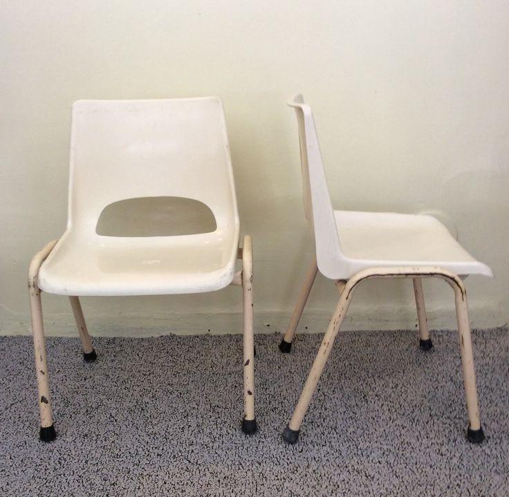 lasten tuolit 60-70 lukujen vaihteesta Ranskasta . istumakorkeus 28cm . @kooPernu