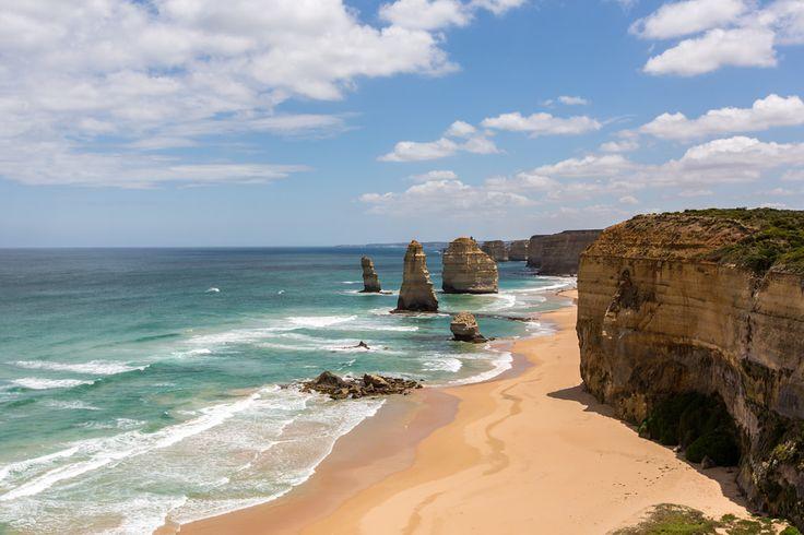 Les falaises et rochers du site des Douze Apôtres, sur la côte sud de l'#Australie.