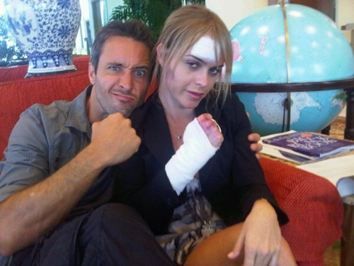 Hawaii 5-O  :  What did Alex O'Loughlin do to Taryn Manning?