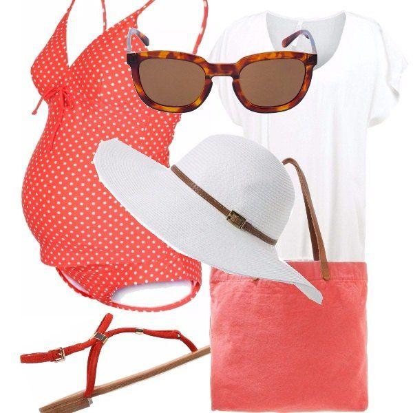 Costume+per+le+mom-to-be+dei+nostri+tempi,+con+bellissimo+costume+color+salmone+a+pois+bianchi,+copri+costume+bianco+con+frange+sotto,+cappello+bianco+con+cinturino+marrone,+borsetta+color+rosa+con+manico+marrone+e+sandali+arancioni,+bassi,+comodi.+Finisce+questo+look,+occhiale+con+fantasia+tartarugata,+scuri.