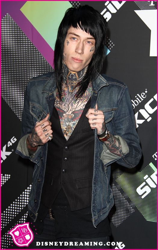 Trace Cyrus talks about going on tour with Miley Cyrus and Billy Ray Cyrus!