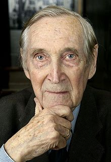 The most decorated hero of the Norwegian resistance, Gunnar Sønsteby began his work in 1940 and the long list of his successful missions includes blowing up the forced labour office, smuggling plates to print money, destruction of chemical plants, trains, planes, arms factories, etc. Trained in the UK and adept at disguises, the Nazis didn't know his identity until the end of the war(km).