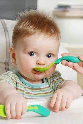 Recept Babyvoeding: Kip Met Perzik Babyhap. Babyvoeding vanaf 1 jaar.