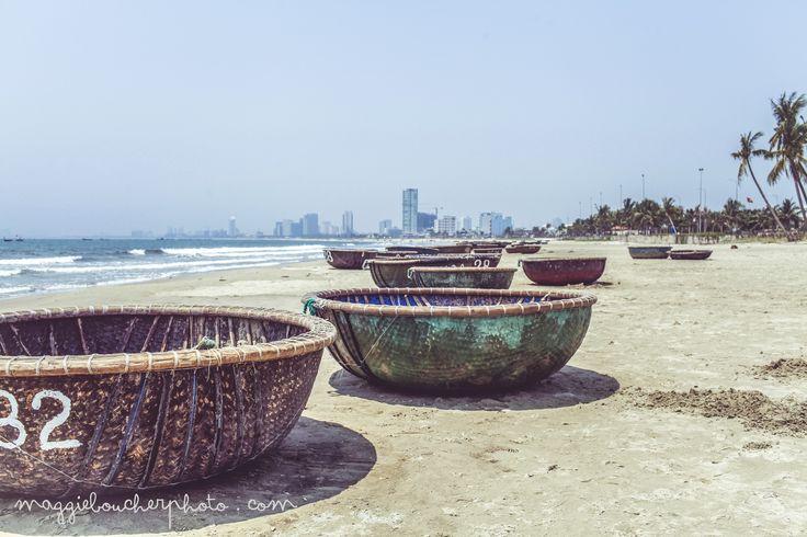 Bateaux, plage de Danang, Vietnam.