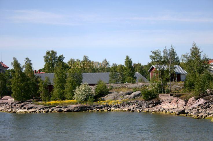 Island in front of Helsinki, Saari Helsingin edustalla by Aili Alaiso