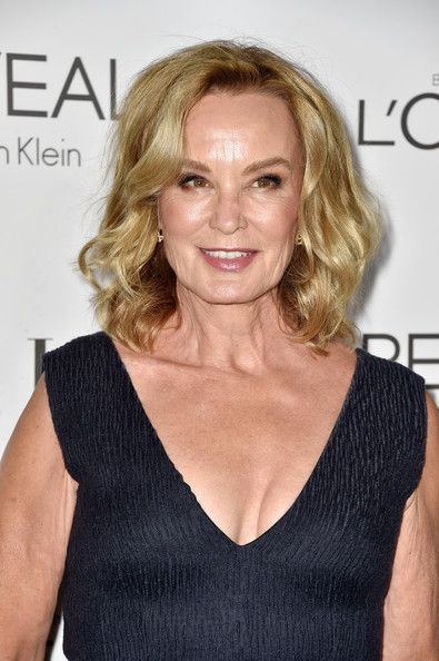 Jessica Lange Photos - Actress Jessica Lange arrives at ELLE's 21st Annual Women In Hollywood at Four Seasons Hotel Los Angeles at Beverly Hills on October 20, 2014 in Beverly Hills, California. - ELLE's 21st Annual Women in Hollywood