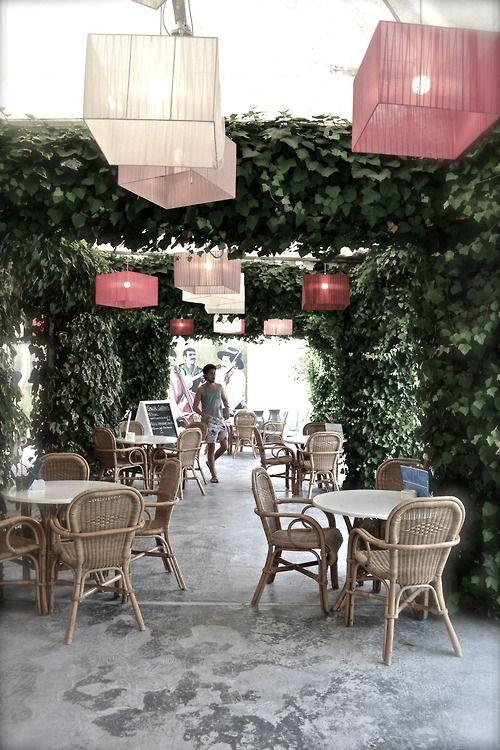 The café/bar at Sluiz, Ibiza (Girl From The North Country - Travelblog)