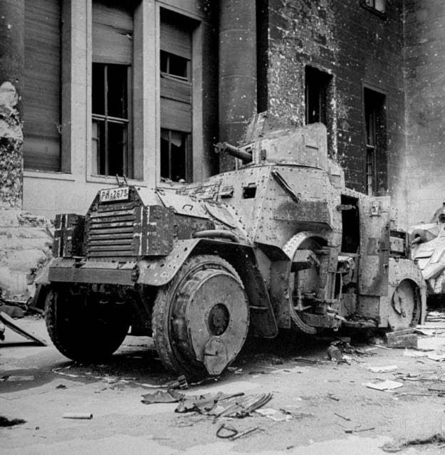 vintage everyday: Old Photos of The Destroyed Berlin in 1945