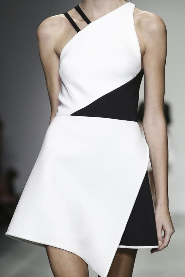 Asymmetrical Dress - bold black & white fashion details // David Koma S/S 2015