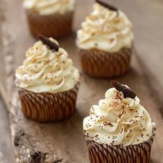 Tres Leches Cupcakes (via foodily.com)