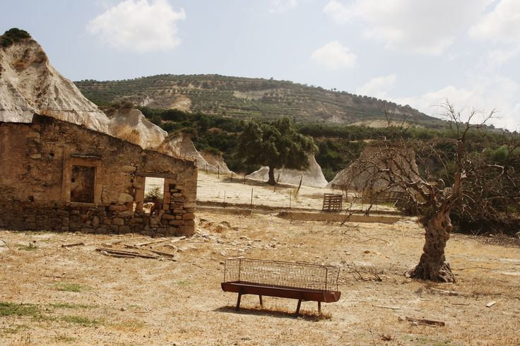 Old farm. Crete. Greece.  Photo: http://se.pinterest.com/berggren_f