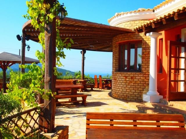 For Sale Villa, Meliteieoi, Messogi, 200 sq.m., In plot 8000 sq.m.,  Status: Very Good, Feautures:  Balconies, Back yard (Garden), Grass, Trees, View: Sea v...