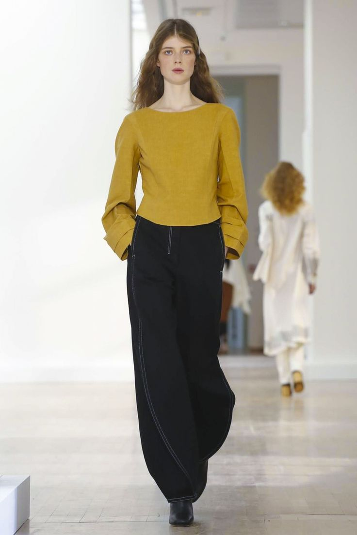 Lemaire Fashion Show Ready to Wear Collection Spring Summer 2016 in Paris