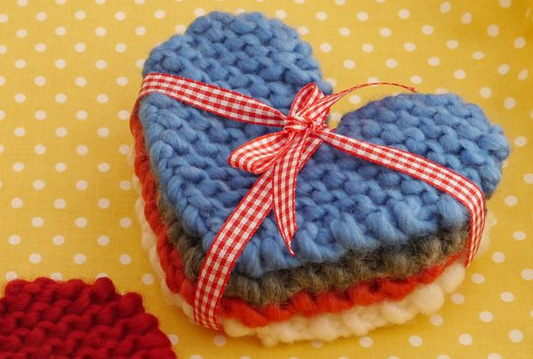 Free knitting patterns | How to make knitted heart coasters | Mollie Makes
