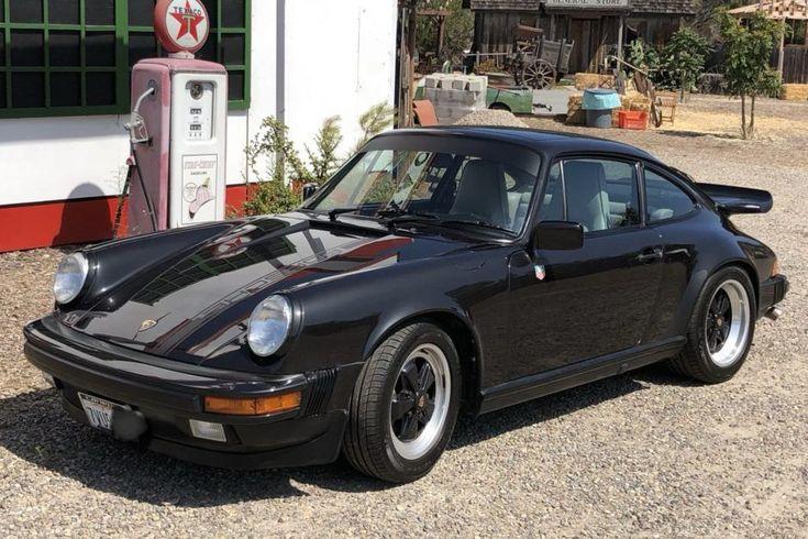 Jubiläumsedition des Porsche 911 Carrera Coupé von 1989 Der Porsche 911 Carrera von 1989 ist eines von 60 Coupés, die anlässlich des 25-jährigen Bestehens des 911 in den USA ...