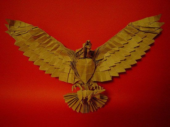 Aguila cazando (Hunting eagle)- unbelievable examples of paper art