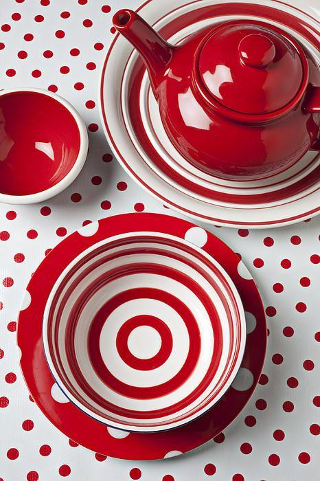 Red Teapot by Garry Gay @ fineartamerica.com