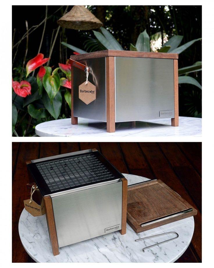 Churrasqueira multifuncional portátil a carvão desenvolvida pela @nooxdesign para pequenos espaços. Chamada de Barbecue a tampa vira a própria tábua de corte e tem materiais como aço inoxidável madeira e couro. #publicidade