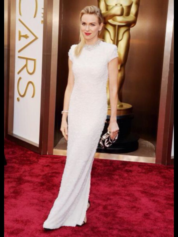 Naomi Watts in a gorgeous white gown. Simple and elegant.