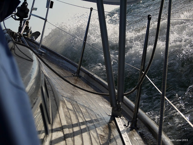 S/Y Dolphin Dance sailing blog | a Finnish Hallberg-Rassy 29 sailing in the Northern Europe: Vote the best picture from season 2011!