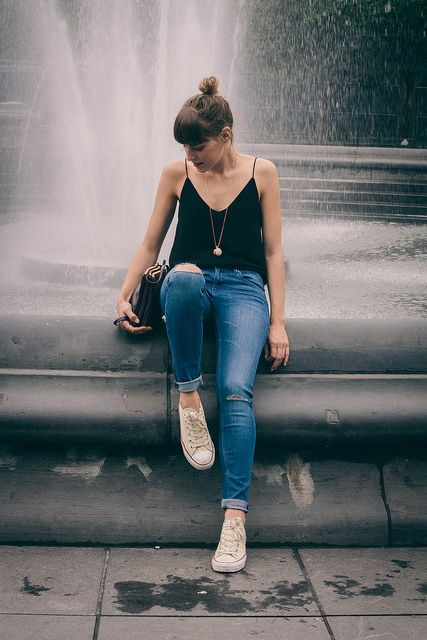all star + jeans + messy bun + black top = casual classic beautiful look