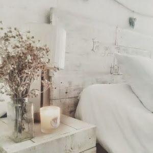 Mi dormitorio DIY : cabezal de palets, piezas recicladas y colores neutros. Vemos como nuestra blogger ha cambiado su habitación para darle un aire shabby chic que nos encanta.