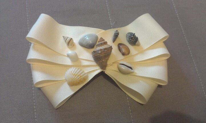 Sea Shells Bow $10