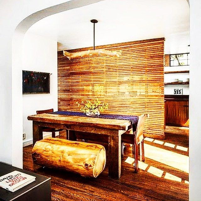 #дизайндома с Толстым бревном заместо лавочки #кухня #гостиная в деревянном стиле это всегда ощущение тепла и уюта даже если оббить ужасной вагонкой ) #отделочные работы выполняем по дереву 89857770333 by compactstroy http://discoverdmci.com