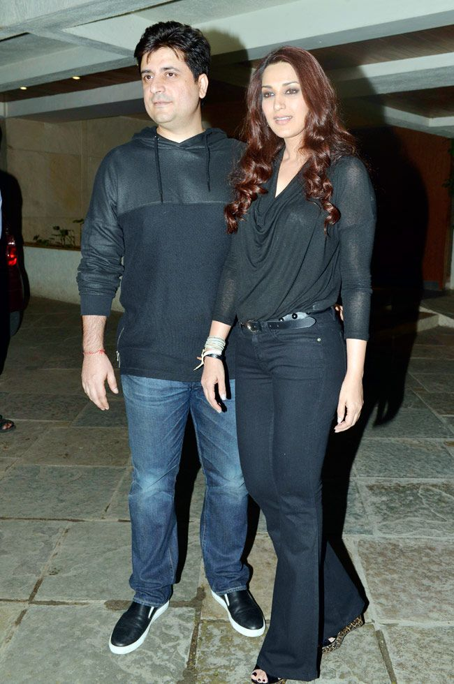 Sonali Bendre and Goldie Behl host star studded anniversay bash.