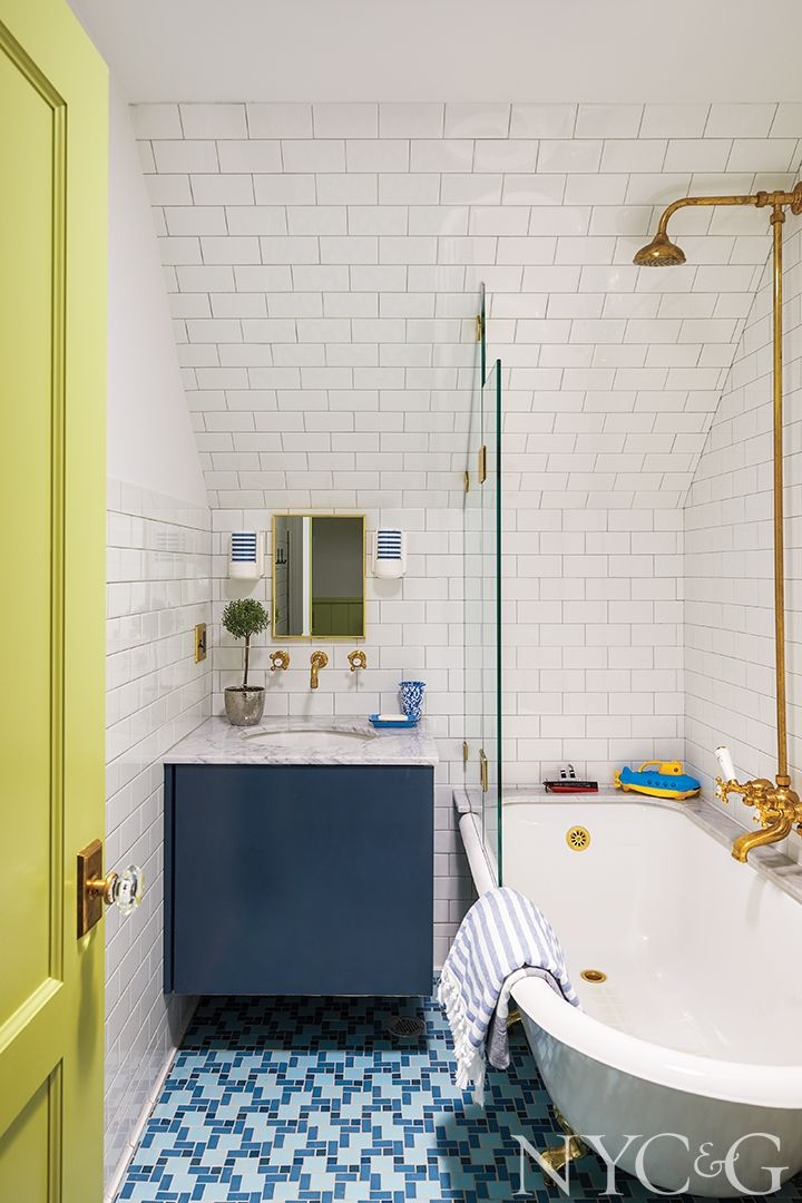 Tour A Revitalized 100 Year Old Home In Larchmont Small Bathroom Decor Bathroom Design Glass Tub Enclosure