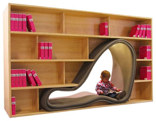 Great idea for a kids bookshelf! I think I'd have stayed there all day when I was a kid!