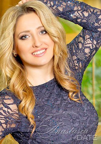 Browse our photo gallery! Take a look at mature Russian woman Vladislava