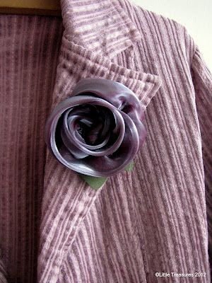 Little Treasures: Last minute gifts -Organza rose {a tutorial}