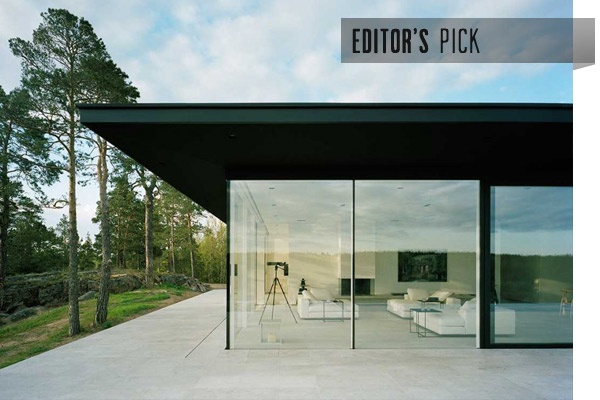 Couldn't help but notice this beautiful minimalist house in Girl with the Dragon Tattoo. Villa Överby on the Värmdö peninsula east of Stockholm, designed by John Robert Nilsson Arkitektkontor.
