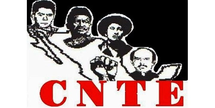 """Integrantes del SNTE (PRI) """"retienen"""" desde hace dos días a miembros de la CNTE en zona mixe de Tehuantepec, Oaxaca"""