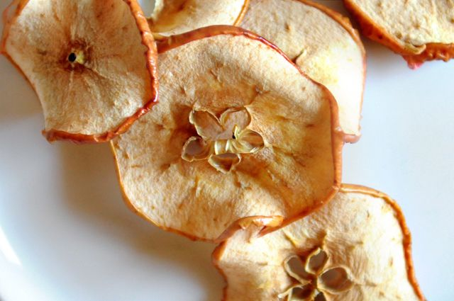 How to dry fruit in the oven- for those of us who don't have a fruit-dehydrator