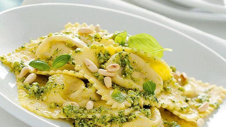 Come preparare Pesto di zucchine e noci col Bimby della Vorwerk, impara a preparare deliziosi piatti con le nostre ricette bimby