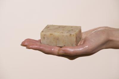 Receta para elaborar jabón de lejía en frío a la antigua | eHow en Español
