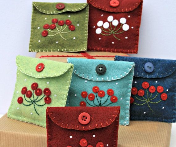 Christmas gift bag Felt berry purse. by PuffinPatchwork on Etsy