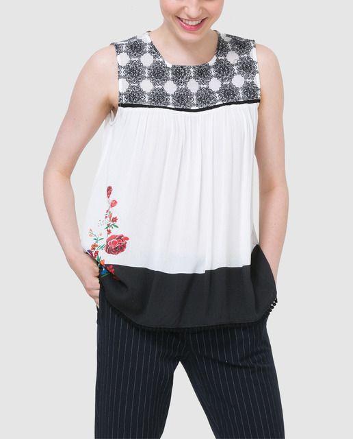 Blusa de mujer Desigual estampada con bordado