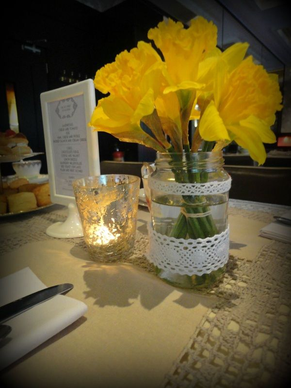 Pretty daffodils for a 1920s inspired vintage tea party