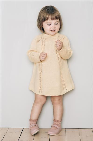 1415: Modell 1 Kjole #baby #knit #strikk
