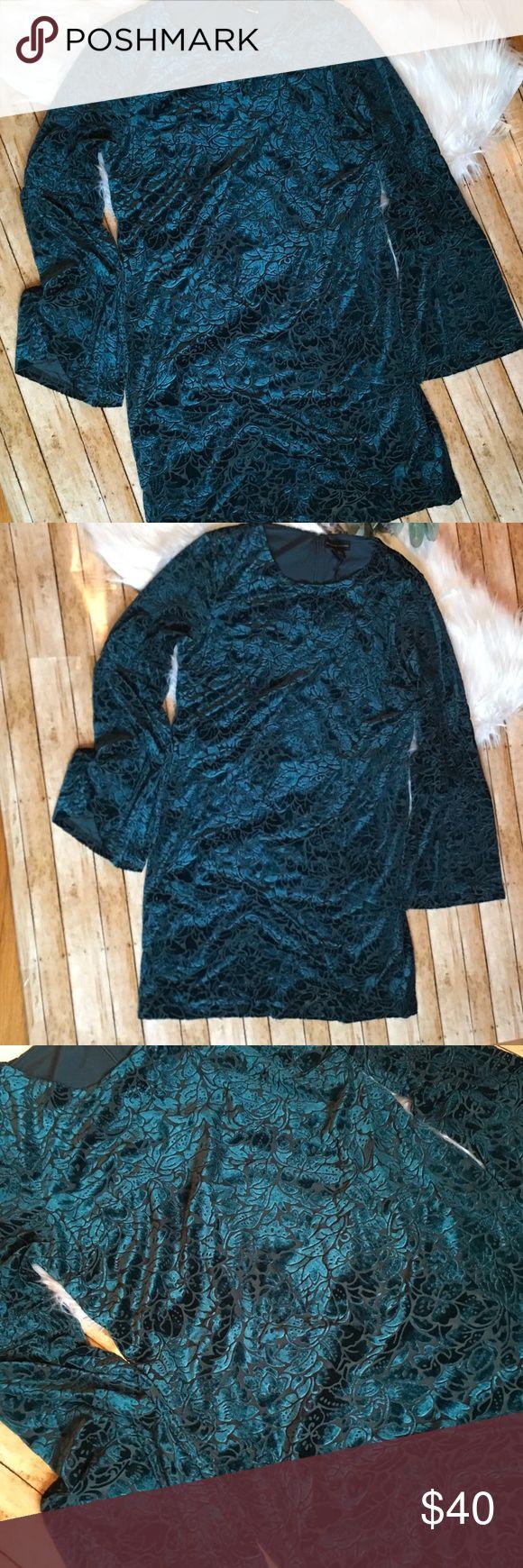"Adrienne Vittadini NWT Teal Velvet Dress Adrienne Vittadini NWT Teal Velvet Dress Size m  Color- rich pretty teal Sheer bell cuff sleeves  Scoop neck Approx 34.5"" L 37"" B 27"" Sleeve Back zipper Smoke free home Adrienne Vittadini Dresses"