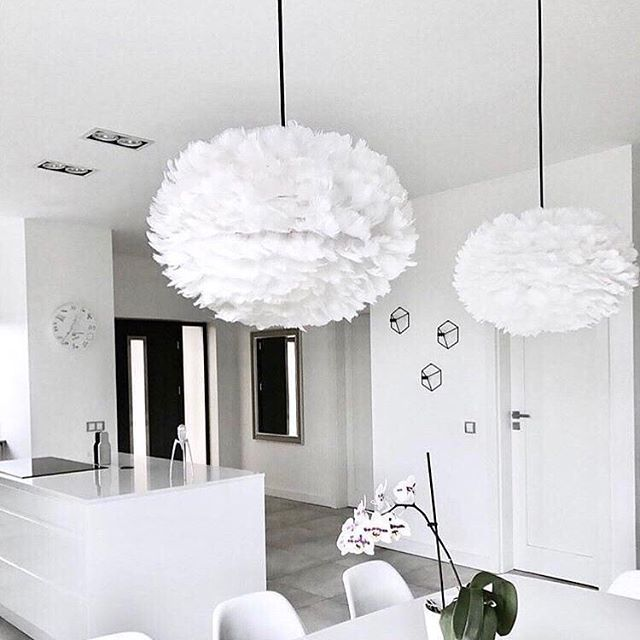 Like a couple of giant snowflakes  - White on white elegance with the gorgeous Eos lampshades from @vitacopenhagen  #whiteandfluffy #lumisonlighting #brightideas #lovelighting  Shop via link in bio  Image via @me_and_design.