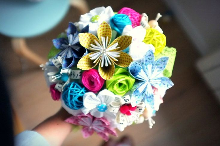 bouquet de mari e diy fleurs en origami tissu kanzashi papier de soie rubans de satin made by. Black Bedroom Furniture Sets. Home Design Ideas