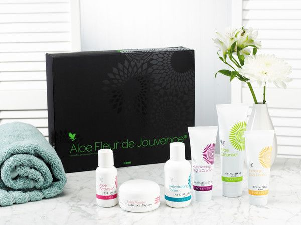 Suitable for all skin types & ages, this collection of 6 wonderful products has been designed especially to play its part ina complete facial regimen.